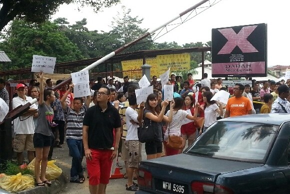 5-5-2013 protest at voting centre Lee Rubber School, Setapak Wangsa Maju