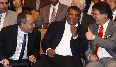 Extreme right: YB Datuk Idris Jala