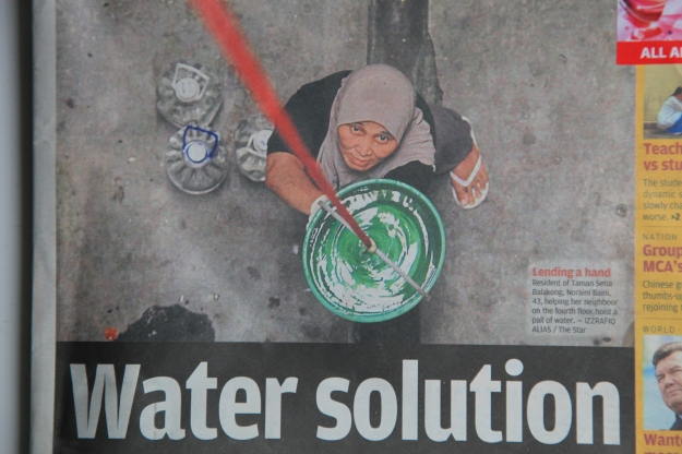 """Star Front page headlines """"Water Solution""""?  Water solution when Selangor residents are facing water crisis?"""