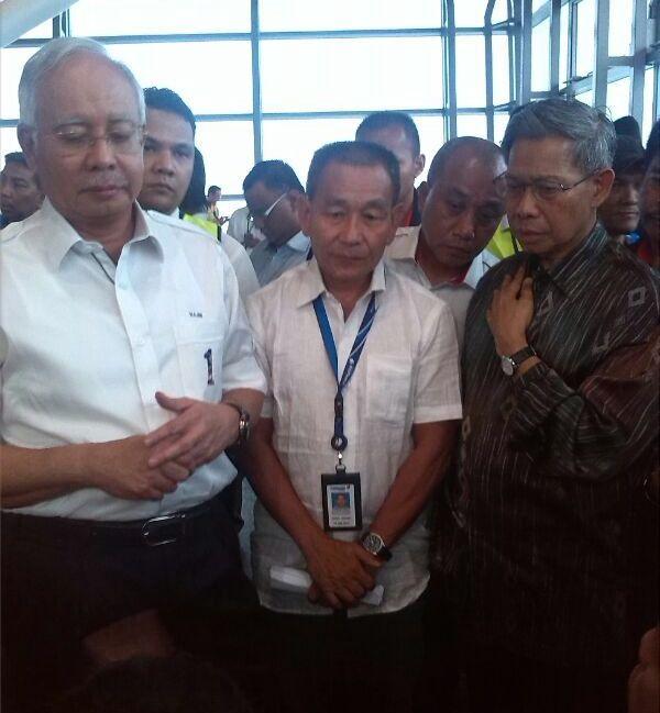 AJ accompanying YAB PM Datuk Seri Najib & Minister Mustapa Mohamed at KLIA on 8-3-2014