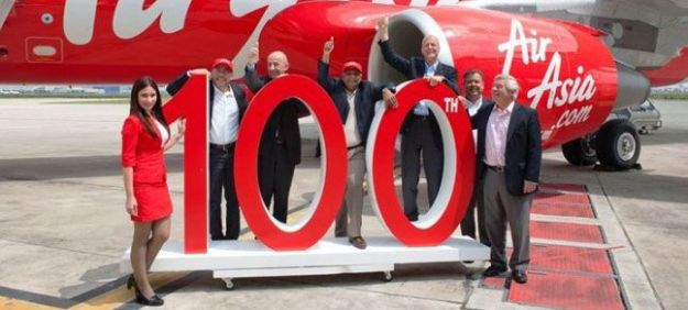 The celebration after Tony Fernades/AirAsia signed up for the order of 100 Airbus A/330
