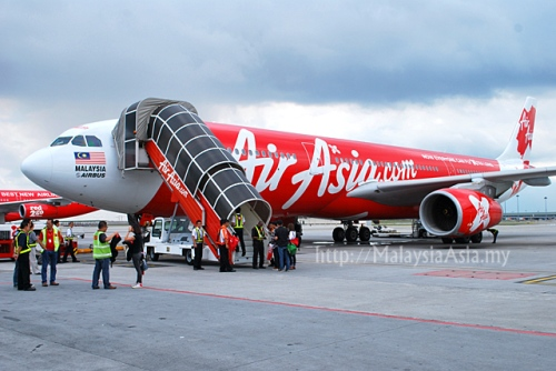 Hopefully when AirAsia goes to Honolulu & Pattaya in a few months time, it will not be forced to use aerobridge as it is not part of its business model.