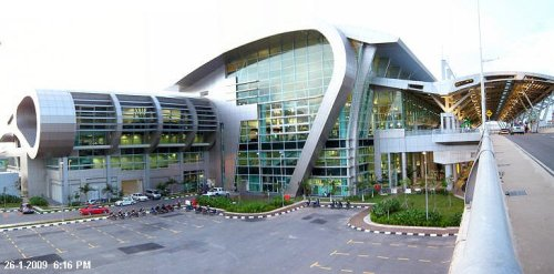The state of the art Terminal 1 of Kota Kinabalu International Airport. Just compare it with picture of Terminal 2 below.