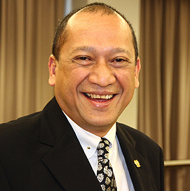 YB Datuk Seri Mohamad Nazri Aziz,l Minister of Tourism & Culture, will announce when to implement visa free for tour groups from China.